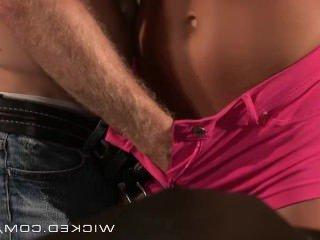 Голые Девки Порно Злой — Картер Круиз трахается в баре видео