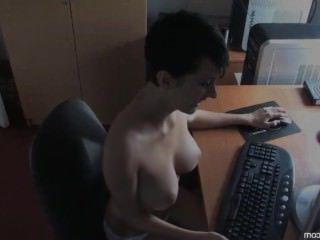 Голые Девки Порно downblouse Ким-boobslovin видео #2 HD видео