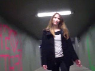 Голые Девки Порно Быстрый общественный Минет видео