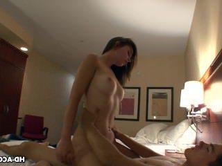 Голые Девки Порно Капает мокрый девка получает лизали, прежде чем она видео