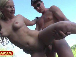 Голые Девки Порно Фильм Магма трахает немецкий девка в парке видео