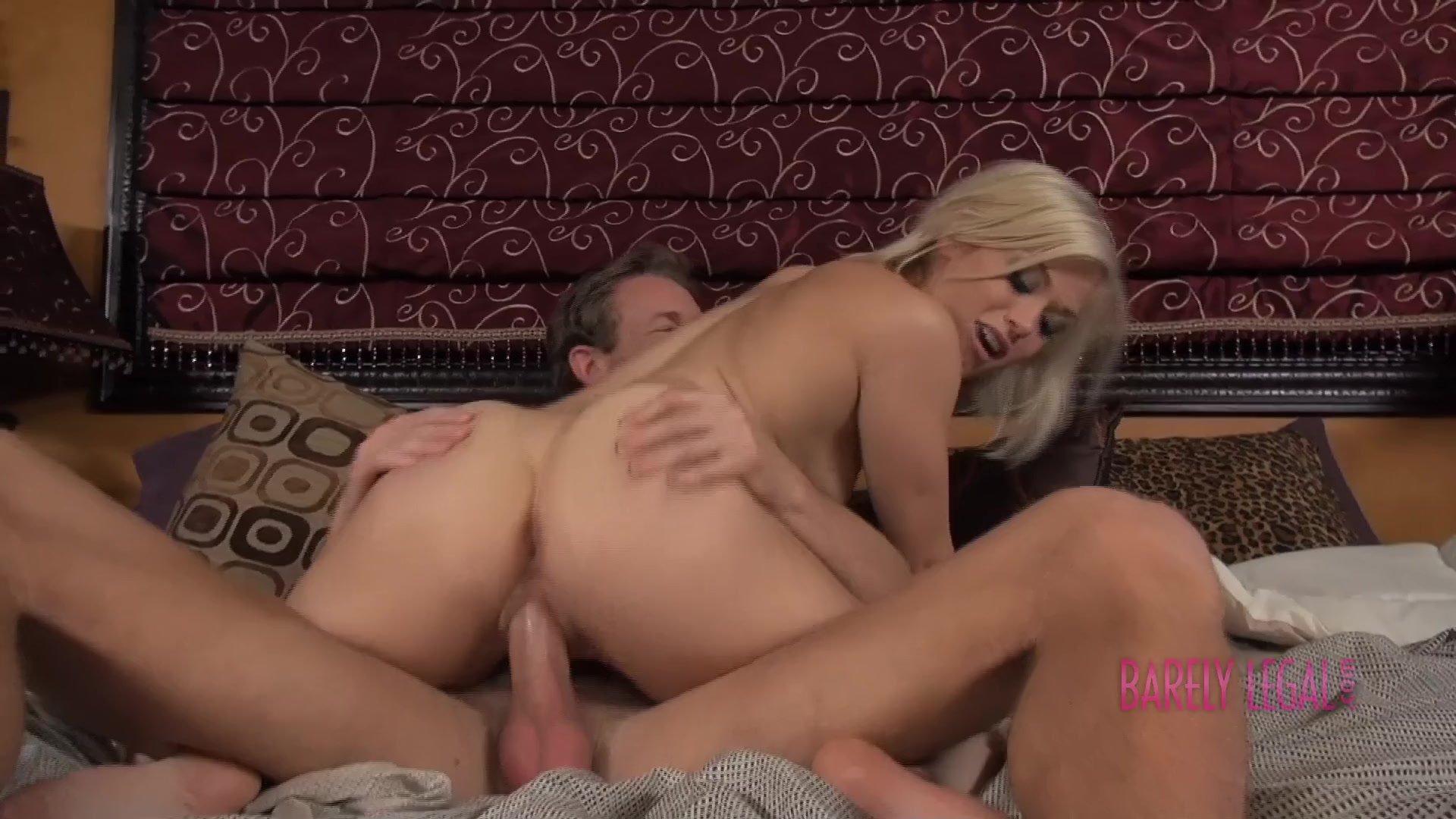 Секс в двоеем, вдвоем одну: порно видео онлайн, смотреть секс ролик 6 фотография