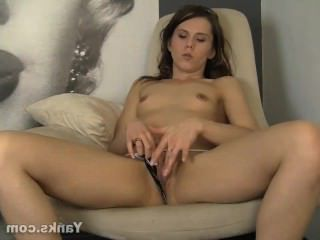 Голые Девки Порно Брюнетка Амбер Мастурбирует видео