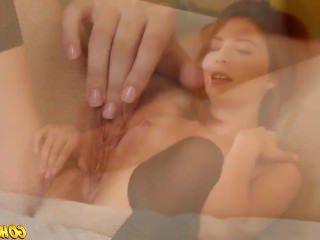 Голые Девки Порно Горячая девушка Эшли дрочит ее мокрую киску до оргазма видео