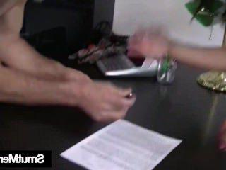 Голые Девки Порно Роговой брюнетка Дениз трахается за одолжение видео