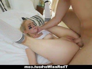 Голые Девки Порно TheRealWorkout-Грудастая Блондинка Пробурена Огромный Член видео