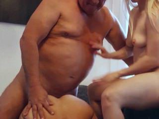 Голые Девки Порно Молодые горничные Римминг старый босс волосатая группа жопа бля после двойной Минет видео