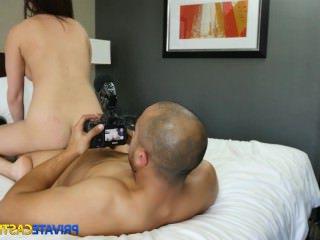 Голые Девки Порно Интенсивный оргазм с милой тини видео