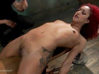 Голые Девки Порно Горячая шлюха пытают и трахают видео