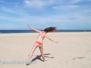 Голые Девки Порно Горячая грудастая девка Кимбер сосет хуй в машине на пляже видео