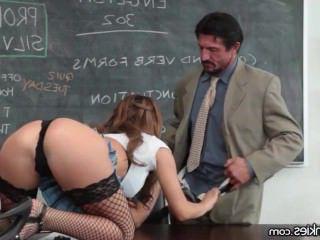 Голые Девки Порно Грудастая девка трахает учитель и мама вопросы видео