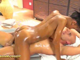 Голые Девки Порно горячий шоколад скользкий массаж секс видео