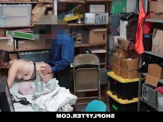 Голые Девки Порно Shoplyfter-хитрый девка трахает ее выход из неприятностей видео