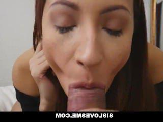 Голые Девки Порно SisLovesMe-горячая сестра показывает фокусы с ее задницей видео