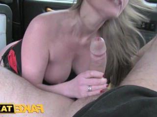 Голые Девки Порно Поддельные такси свингер бизнес милф секс видео видео