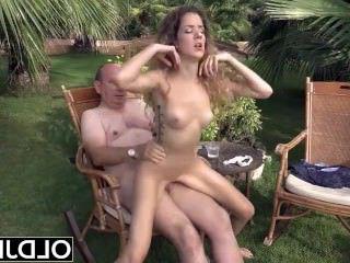 Голые Девки Порно Девка хочет сосать старик петух и трахаться в ее киску получает лица видео