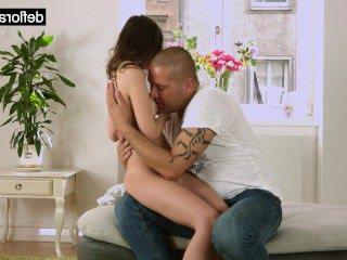 Голые Девки Порно Тина-это один большой сиськастый застенчивая девушка видео