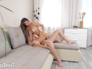 Голые Девки Порно Милый девка девушка Анальный сперма в жопе видео