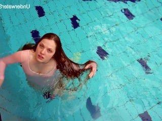 Голые Девки Порно Рыжая Simonna, показывая ее подводную тела видео