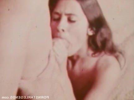 Ретро Порно Ретро шлюха принимает Джон Холмс 14-дюймовый большой член видео
