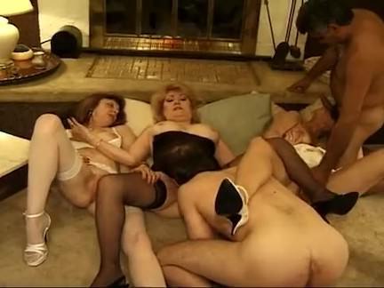 Ретро Порно Зрелые бабушки в дикой оргии видео