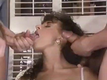 Ретро Порно Сара Янг любит сперму видео