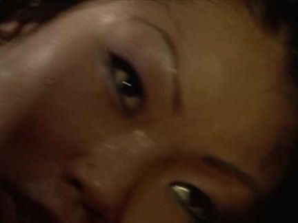 Ретро Порно Сумасшедший азиатский шлюха любит кататься на белый Дик видео