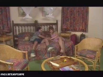 Ретро Порно Адель трахается с Крюгер Парк & амп;#039; ы рейнджер видео
