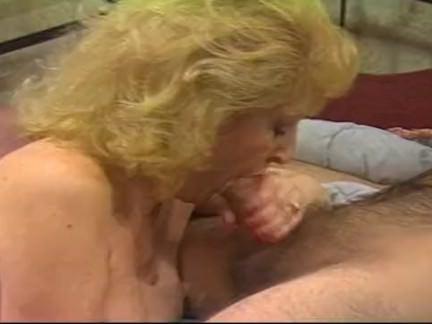 Ретро Порно Пухленькая блондинка петух едет в кульминацию видео