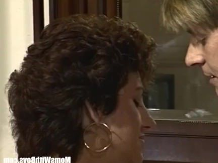 Ретро Порно Роговой Жена Собачьи Трахал В Сексуальное Женское Белье видео