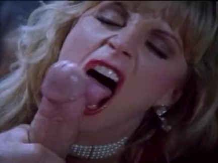 Ретро Порно Горячая блондинка жопу с игрушками видео