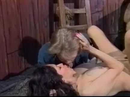 Ретро Порно Каждый трахает всех видео