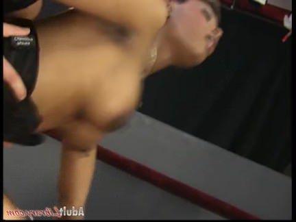 Ретро Порно Коко Браун-красивый негр трахает рабочих видео