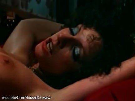 Ретро Порно Это идеальное место, чтобы трахнуть меня, милая видео