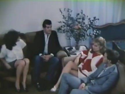 Ретро Порно Сента не мэу дие ЕС энтро Туа на (1985) видео
