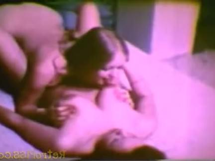 Ретро Порно Пить из трубы видео