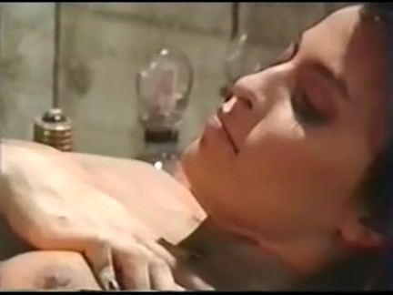 Ретро Порно Sextectives (1989) Тори Уэллс видео