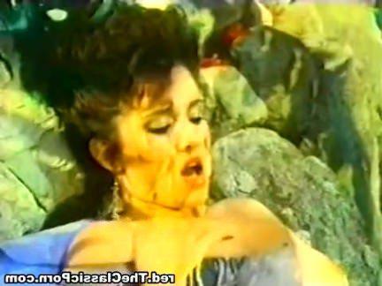 Ретро Порно Медленный фаллоимитатор секс в спа-процедуры видео