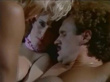 Ретро Порно Бренди & amp; тами в нижнем белье видео