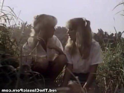 Ретро Порно Классическое порно в лесу с двумя дамами видео