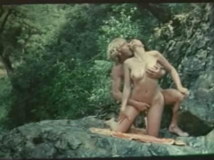 Ретро Порно Давно они трахались на природе видео