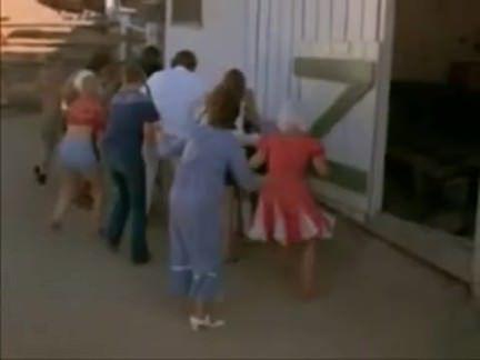 Ретро Порно СТРАНА CUZZINS 1970 видео