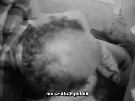 Ретро Порно Непослушный Wake вверх время для девочки видео