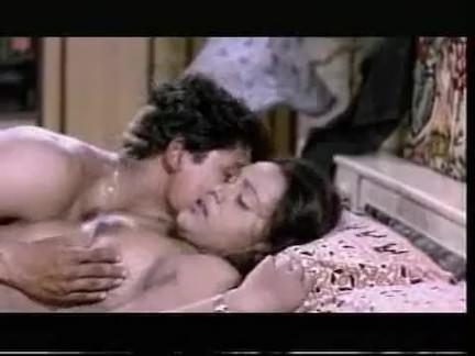 Ретро Порно В Бхавана видео