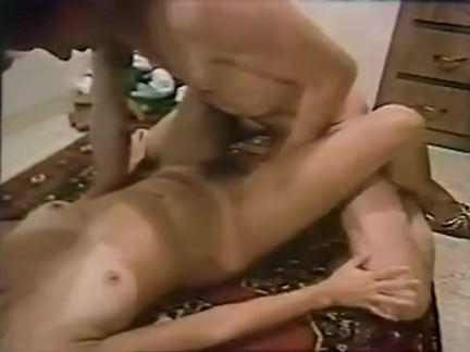 Ретро Порно Прибитый на полу кухни видео