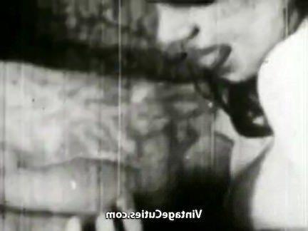 Ретро Порно Попой Телка Делает Непослушные Движется видео