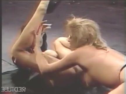 Ретро Порно Латекс лесбиянки высокие каблуки ноги тяга видео