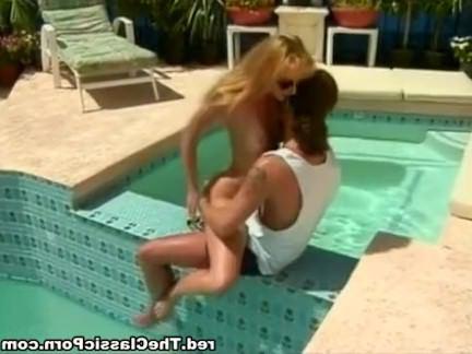 Ретро Порно Классический бурение у бассейна видео